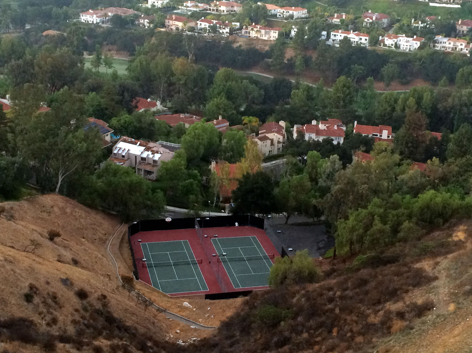 lower-tennis-courts_aerial_1550x1158